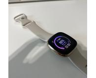 Fitbit Sense złoto beżowy + Fitbit Premium - Lucy