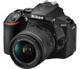 Nikon D5600 + AF-P 18-55mm VR + torba + karta 16GB (VBA500K005)