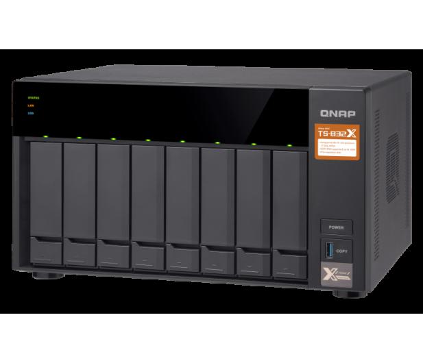 QNAP TS-832X-8G (8xHDD, 4x1.7GHz, 8GB, 3xUSB, 4xLAN) - 434176 - zdjęcie 3
